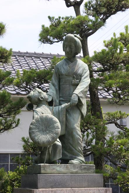 銅像.jpg